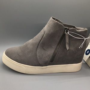 Universal Thread Heeled Sneakers - Gray, Size 9